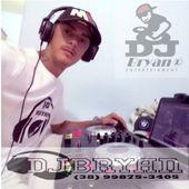 DJ Bryan Sjp Mg atualizando seu Pen driver