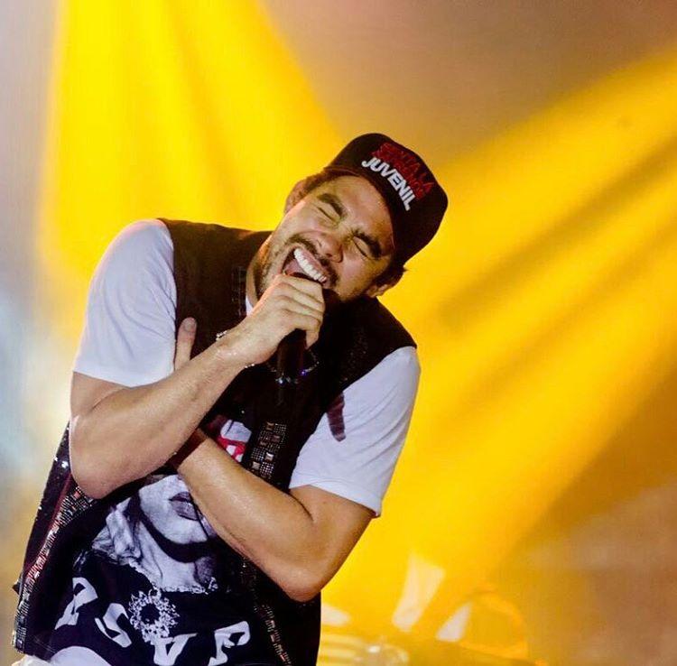 Sua Música - Gabriel Diniz irá gravar novo DVD b81d24c0ca